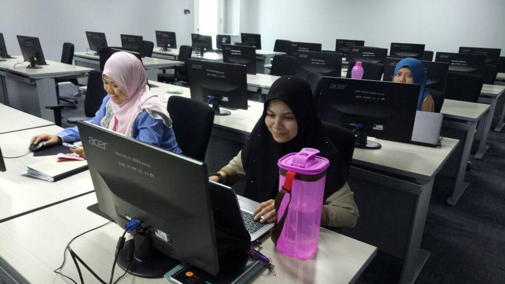 Graphic Design Part-time Short Training Course Workshop Malaysia